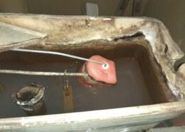 Как сделать чистку квартирной канализации от загрязнений и засоров?