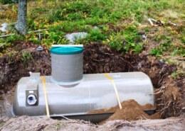 Где купить автономную канализацию и как выбрать септик?